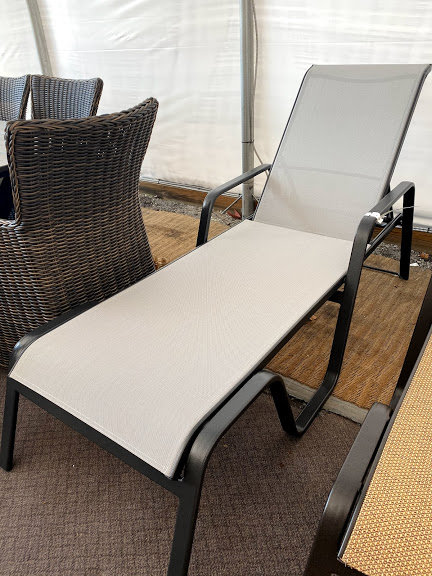 Chaise Lounge #29162