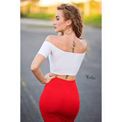 Red Skirts 😍__Booking Holiday Shoots. Let's work! Follow my photography page_ _r.allan.photo. Check