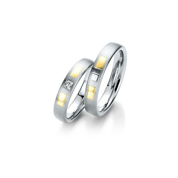 Fehér- és sárgaarany szögletes mintás karikagyűrű gyémánttal