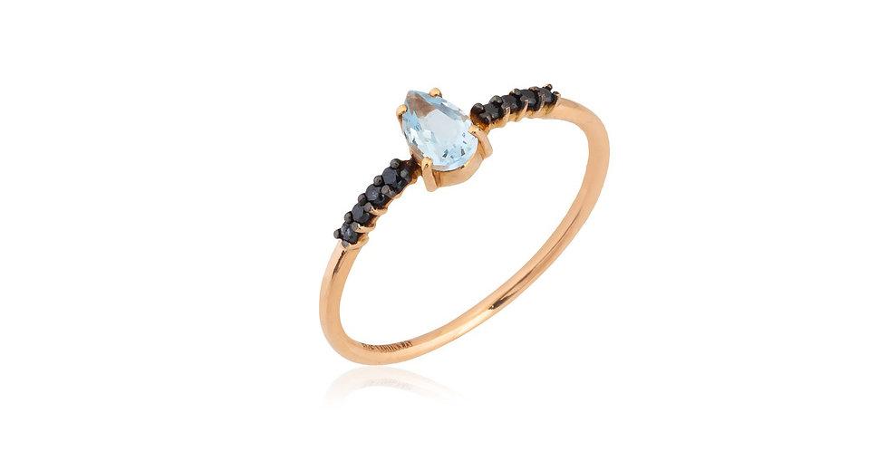 Rózsaarany gyűrű fekete gyémántokkal és csepp alakú akvamarinnal