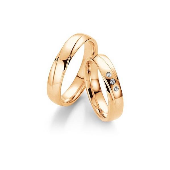 Rozéarany fényes karikagyűrű ferde véséssel, 3db gyémánttal