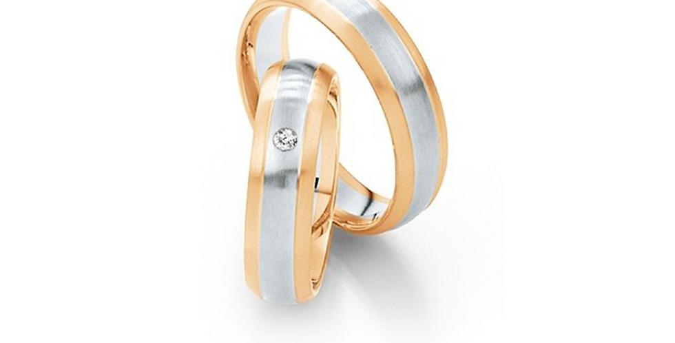 Rozéarany jegygyűrűpár fehérarany betéttel és gyémánttal