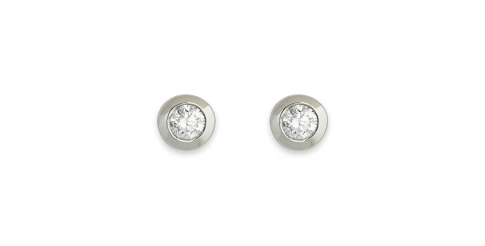 Fehérarany bedugós szoliter gyémánt fülbevaló zárt button foglalatban