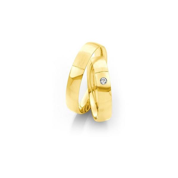 Matt és fényes sárgaarany karikagyűrű gyémánttal