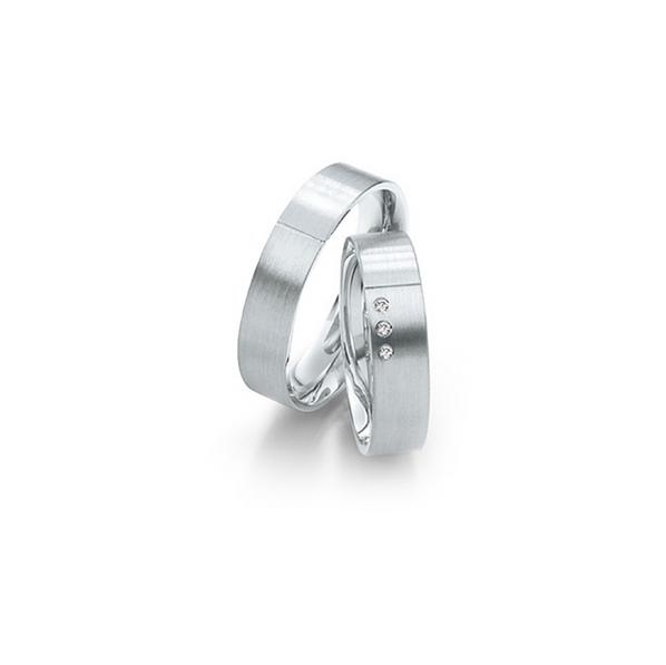 Matt és fényes fehérarany jegygyűrűpár 3 db gyémánttal