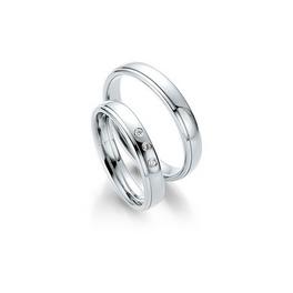 Fehérarany fényes karikagyűrű vékony csíkkal a szélén, 3 db gyémánttal