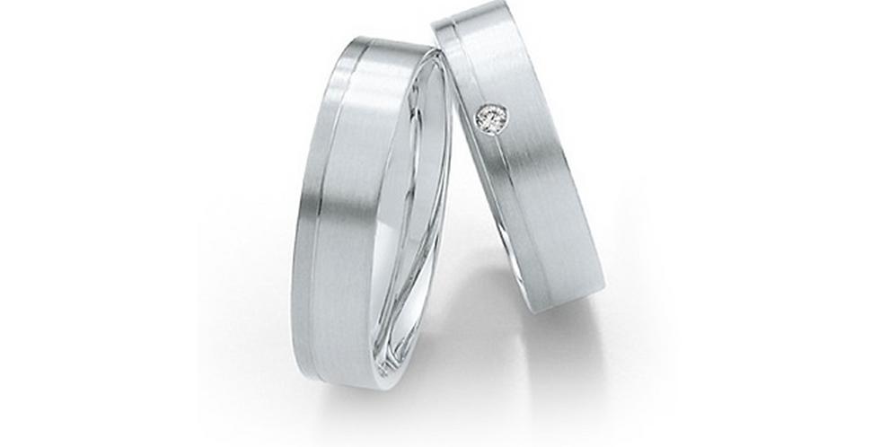 Vésett fehérarany jegygyűrű gyémánttal