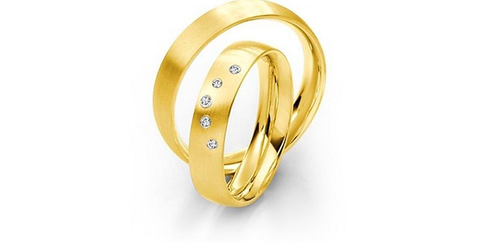 Selyemfényű sárgaarany karikagyűrű 5 db gyémánttal