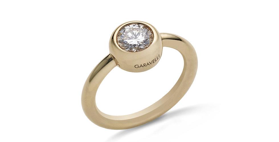 Garavelli sárgaarany gyűrű briliáns csiszolású gyémánttal zárt foglalatban