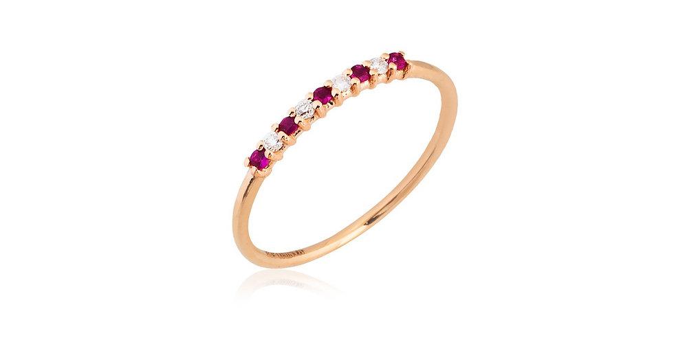 Vékony rózsaarany gyűrű rubin és gyémánt díszítéssel
