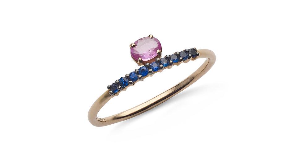 Rózsaarany gyűrű rózsaszín és kék zafírokkal