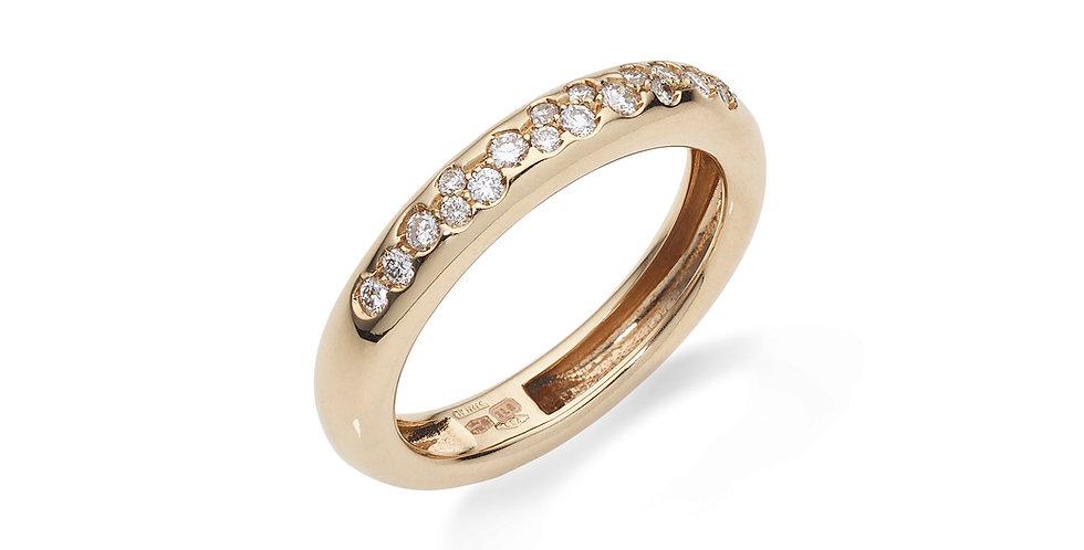 Rózsaarany karikagyűrű gyémántokkal