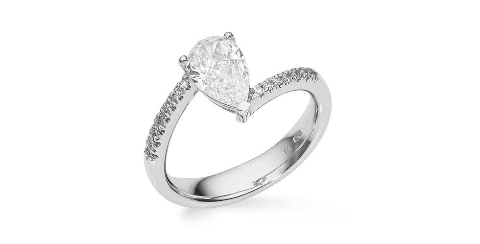 Fehérarany gyémánt gyűrű csepp alakú center kővel