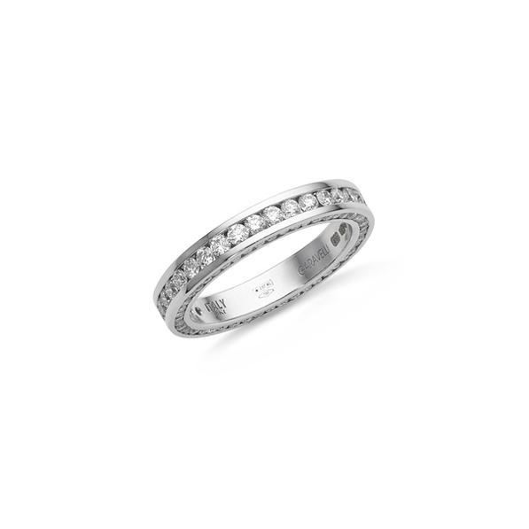 Garavelli fehérarany exkluzív karikagyűrű minden oldalán gyémántokkal foglalva