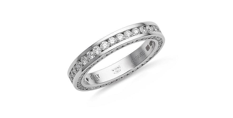 Garavelli fehérarany körben köves gyűrű minden oldalán gyémántokkal foglalva