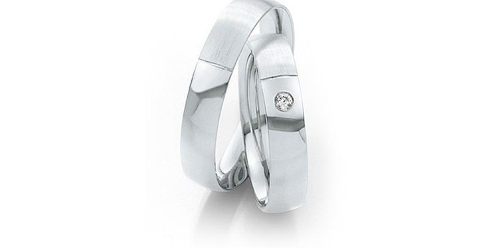 Matt és fényes fehérarany karikagyűrű gyémánttal