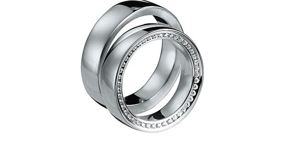 Fehérarany exkluzív jegygyűrű alul-felül gyémántokkal