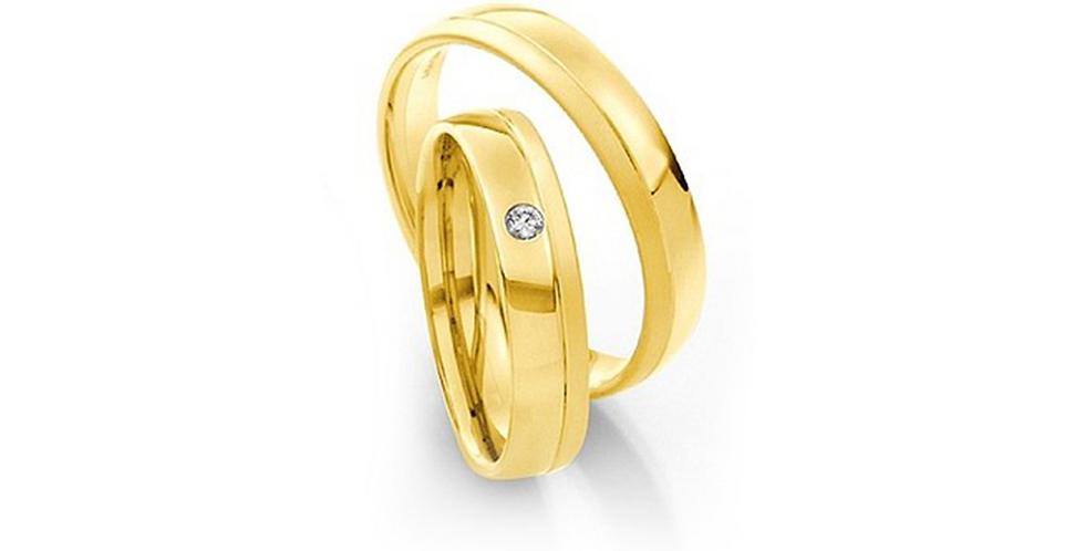 Matt és fényes sárgaarany jegygyűrű gyémánttal