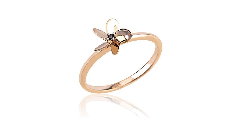 18kt-os rózsaarany virág gyűrű gyémánttal