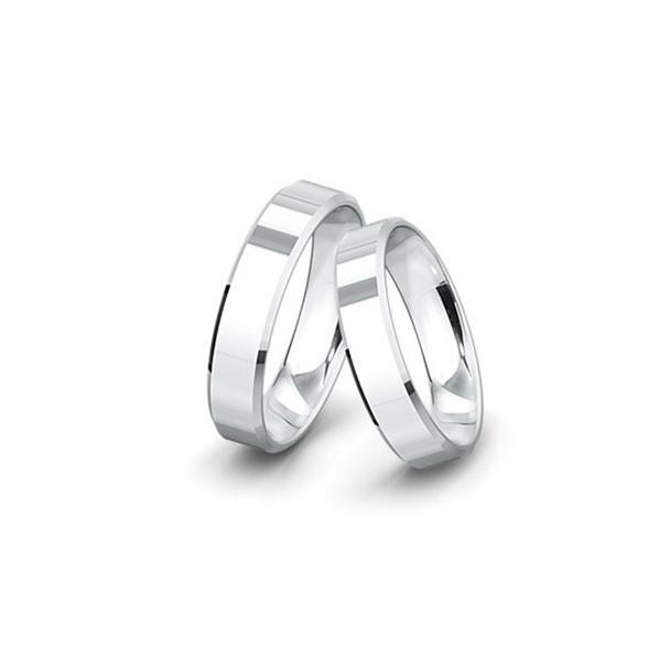 Belül domború, kívül lapos felületű fehérarany jegygyűrűpár (5,5 mm)