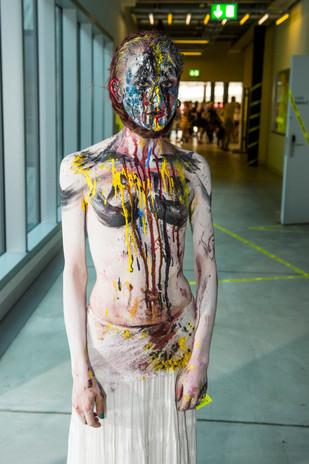 Respire Performance by Valerie Reding, Diplomausstellung ZHdK 2015
