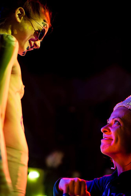 SMILE! performance by Valerie Reding at Friday Island with Gianfranco Celestino; picture ©El Dirko Meviso