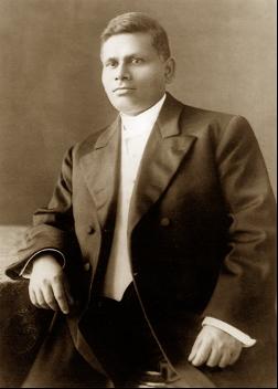 swami trigunatitananda.png