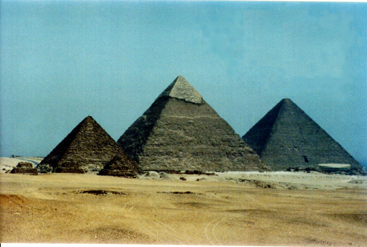 THE THREE GREAT PYRAMIDS From right to left KFUFU'S PYRAMID, CHEPHREN'S PYRAMID AN THE PYRAMID OF MI