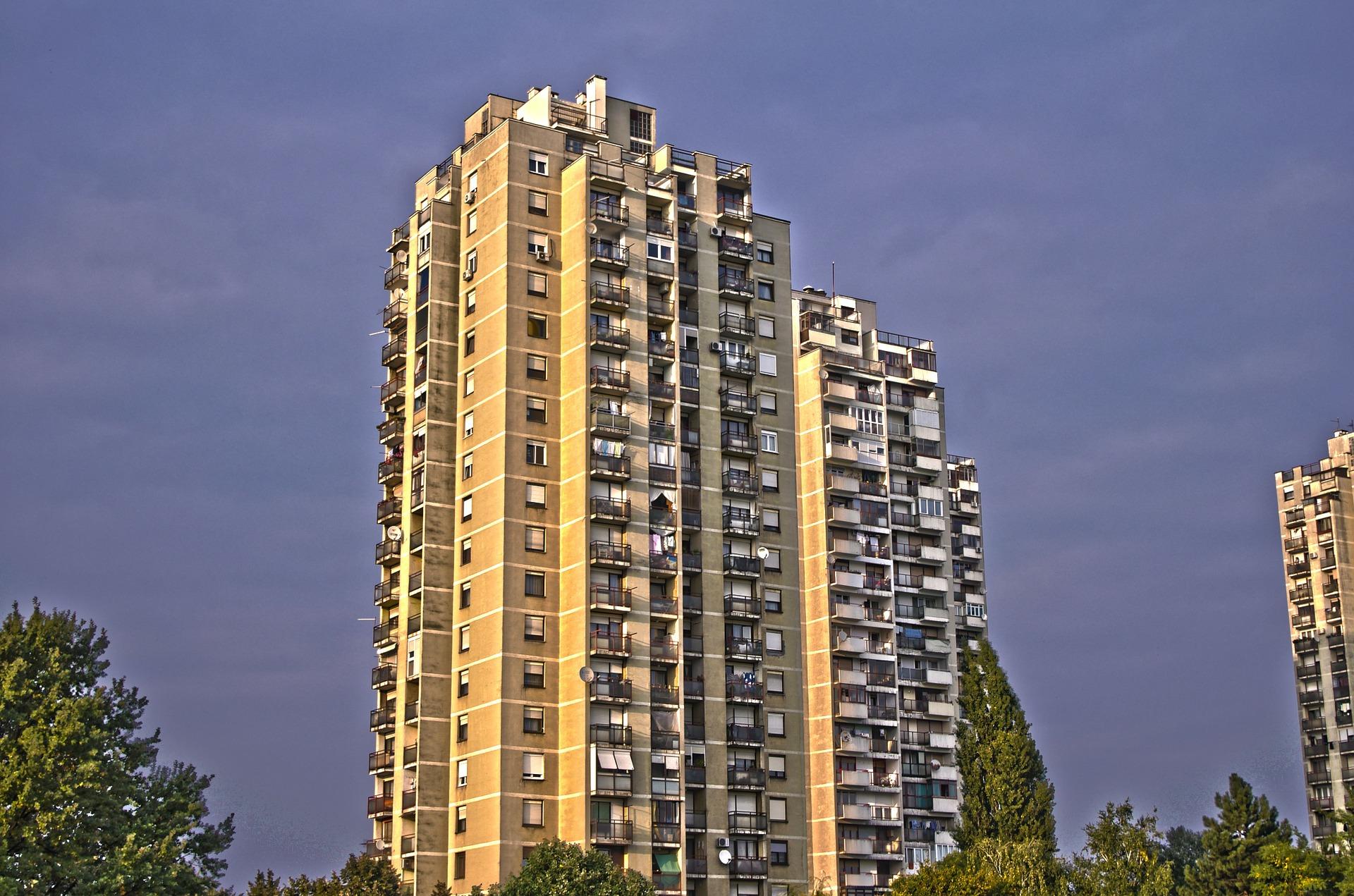 building-322901_1920