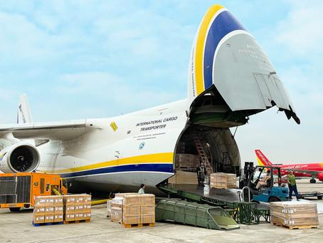 Antonov Carries 80 Tonnes Of Automotive Parts To The USA