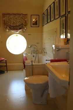 Sulgrave Farm Bath Room