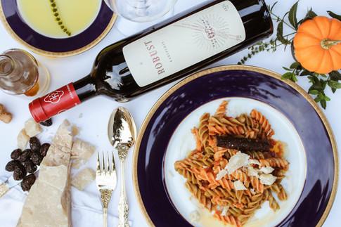 A Healdburg Walking Tour: Food and Wine