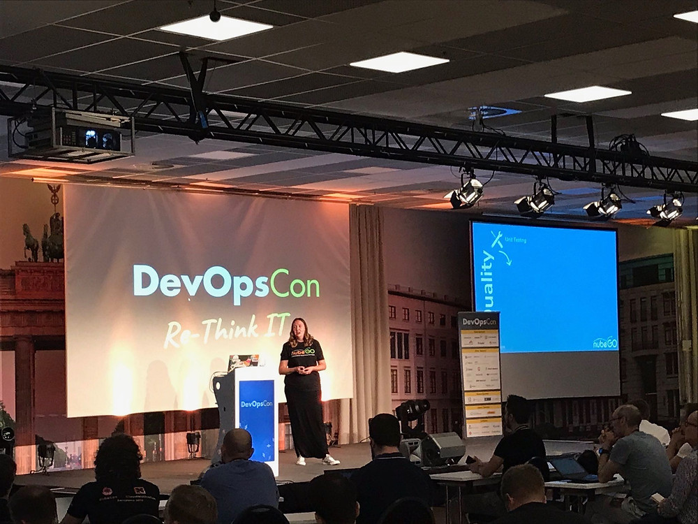 Emma Button speaking at DevOpsCon 2019