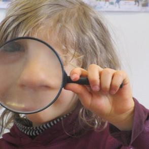 Curiosité et bonne humeur ... voici comment on apprend et découvre le monde à l'Ecole Buissonnante !