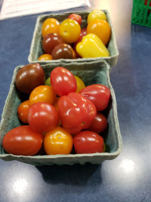 Tomatoes-Small mini mix -Pint - Product of Ontario