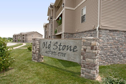 89648_hdp_oldestone_130701_ext_sign1