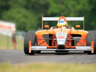 Simpson Dominates Race at Mid-Ohio