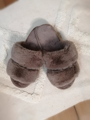 Chaussons moumoute taupe