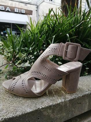 Chaussure à talon kaki