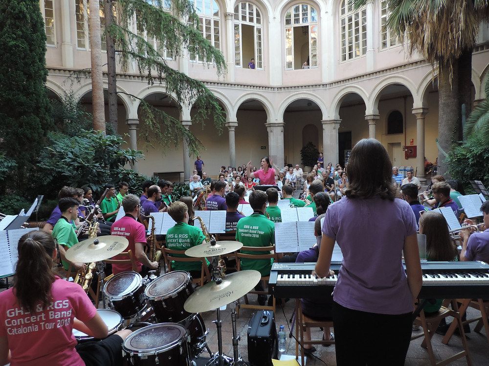 An incredible performance in central Barcelona, Gower Music Tours