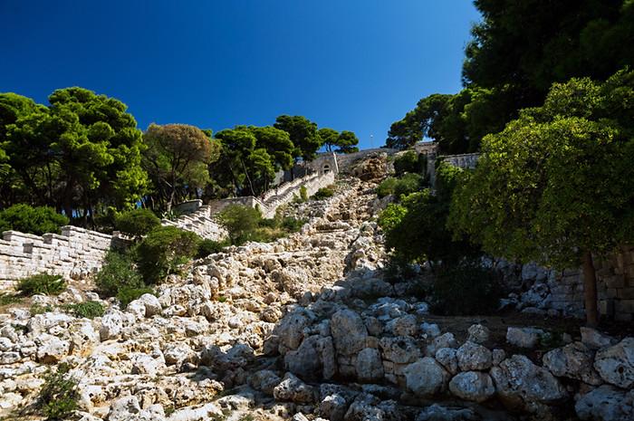 """Santa Maria di Leuca est le point le plus au sud géographiquement du """"talon"""" de l'Italie et est également connue pour etre le point de rencontre des eaux de la mer Adriatique et de la mer Ionienne."""