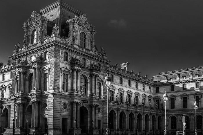Paris_louvre_n&b-9272.jpg