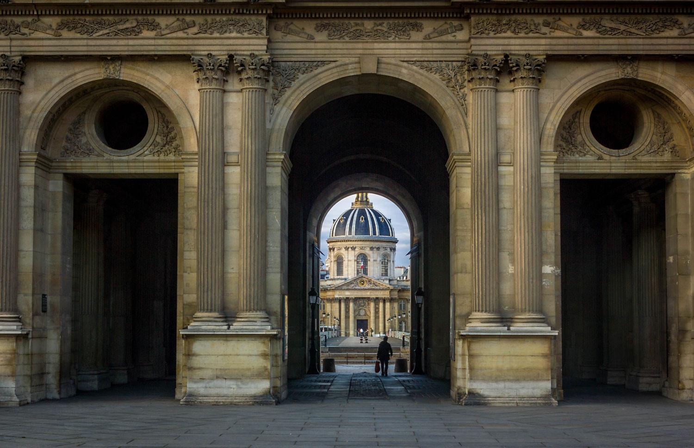Place carrée du Louvre