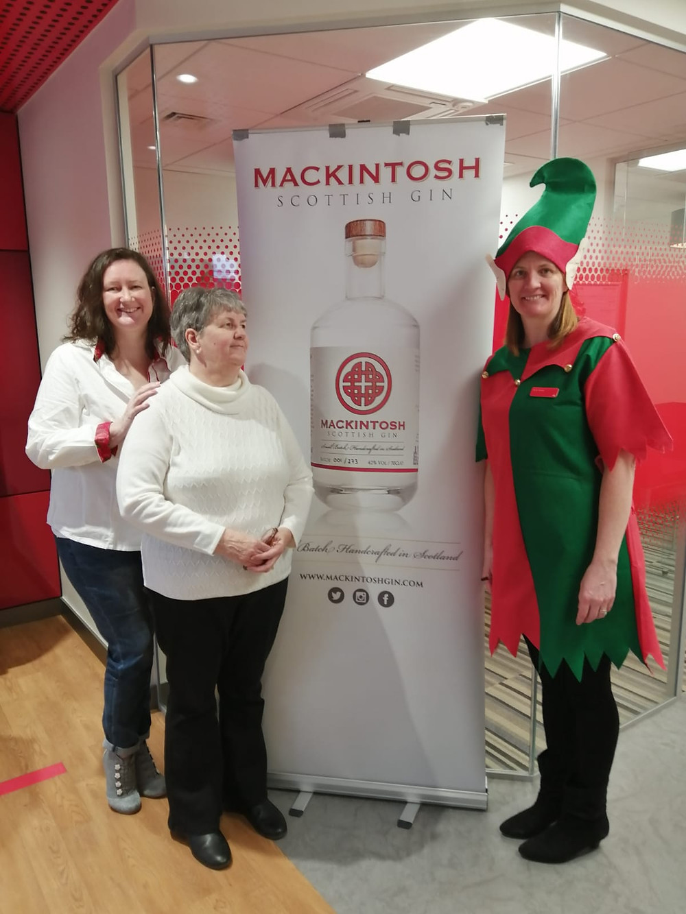 Mackintosh Gin tasting in Glasgow with Deborah, her mum and sister at Santander Bank in Kirkintilloch.