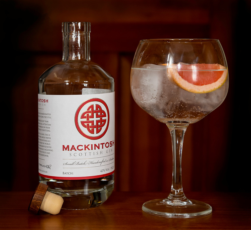 Gin and Tonic by Mackintosh Gin