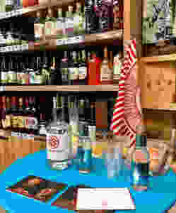 Tasting session at Grewar's Farm Shop in Dronley with Mackintosh Gin