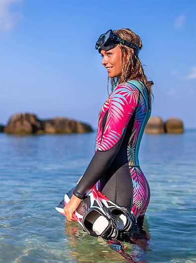 womens_diving_wetsuit_colorful_beautiful