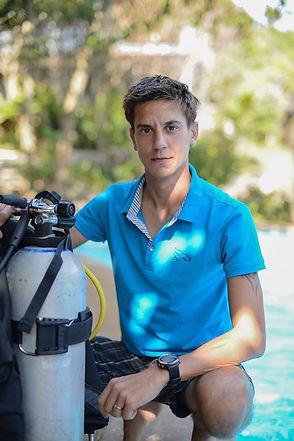 Aurora_wetsuits_Co-Owner_PADI_MSDT_Jordan_Griffiths_women's_diving_Brand_wetsuits_diving_Leggings