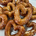 Mini Pretzel Hearts (vegan)