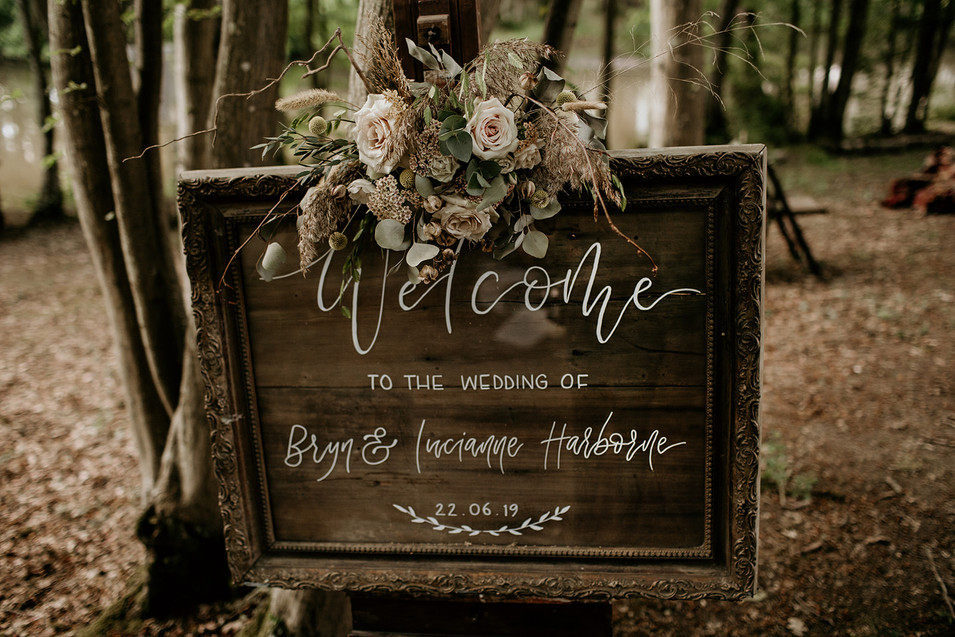 Why not welcome your guests with our upcycled welcome sign? Adding that all important personal touch.  Let us know what message you would like.  Available for hire.